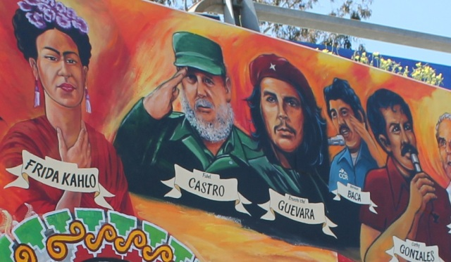 Historical Mural honoring communists, Fidel Castro and Che Guevara